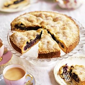 Blueberry-and-polenta-shortcake