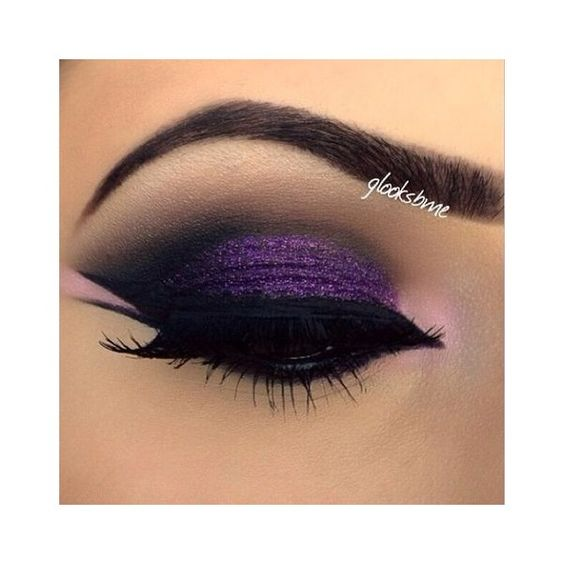 Make-up trend 2015 paarse lipstick ❤ liked on Polyvore featuring beauty products, makeup, lip makeup and lipstick