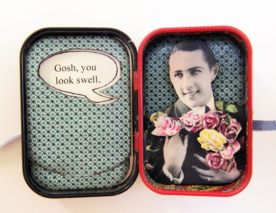 """Pocket Affirmation: Inside. The pocket on the left holds a card that has four different affirming statements, like """"You're right, as always."""" and """"You're so darn creative."""" (K. Batsel)"""
