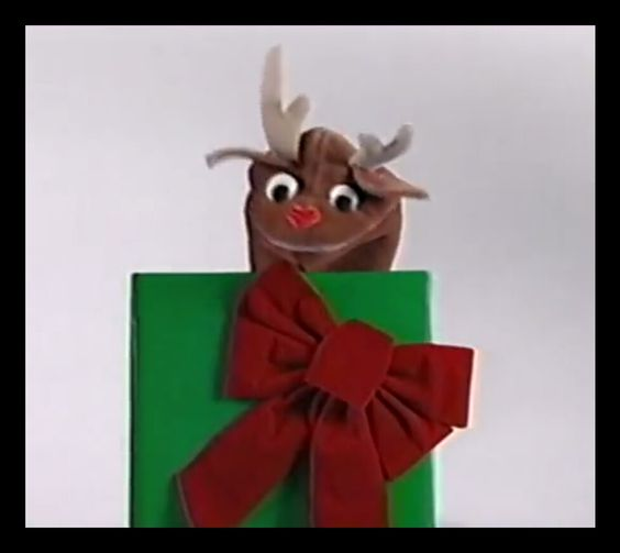 reindeer and dinosaur puppets - photo #27