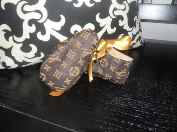 Louis vuitton Baby booties and UX UI Designer on Pinterest