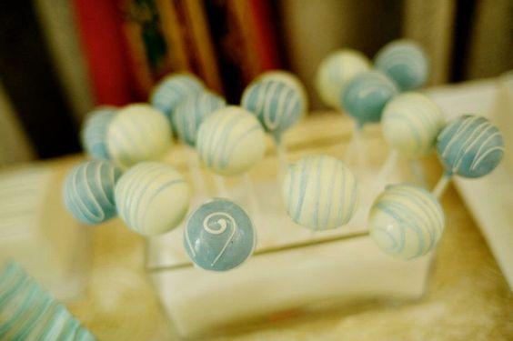 Cake pops by Whippt desserts