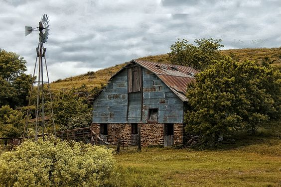Indian summer pic of an old stone barn near Geneseo, KS