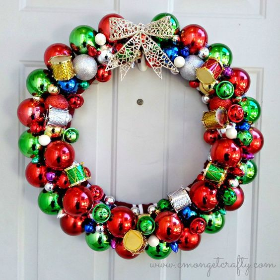 DIY does not have to be expensive! This Christmas wreath is made with dollar shop finds and it looks great!
