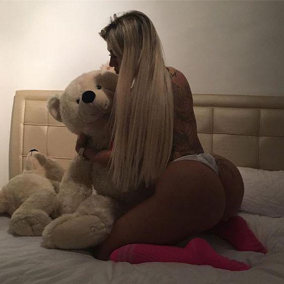Boa Noite amores vamos descansar!!!! Semana agitada de eventos !!!! 👑💋👑 Marquem os amiguinhos que adoram dormir com um ursinho !!!?!!?🙈