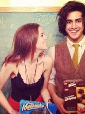 Avan and zoey dating 1