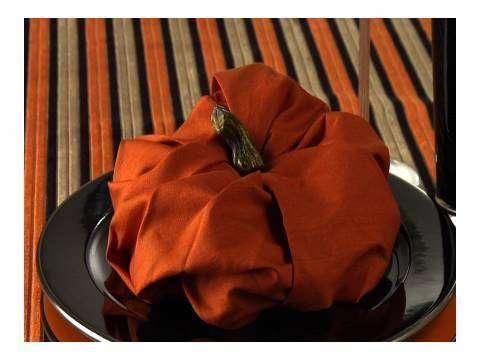 Video: Fold a Pumpkin Napkin