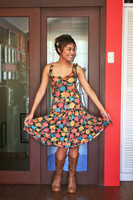 Is she not the cutest?!?! Check out her blog, Boat Ride to the Sky, to see more adorable outfits.