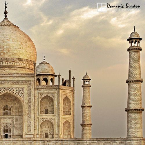 The Taj Mahal in Agra, India. #indiaphotography #tajmahal #india #travelphoto #travelphotography #asiaphotography #icons #travelicons