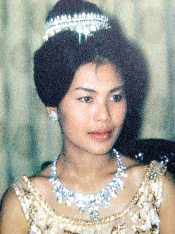 Saturday Sparkler: Queen Sirikit's Fringe Tiara | The Court Jeweller