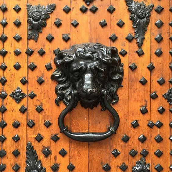 What a magnificent door knocker in #Bristol - details on the door of St Nicholas market which you'll only notice on a Sunday when the market is closed.