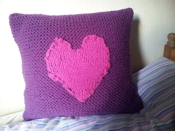 Knitting: A Creative Outlet for Eating Disorder Recovery   http://www.liberonetwork.com/knitting-and-ed-recovery #recovery #LiberoNetwork #eatingdisorders