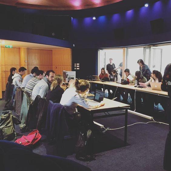 Top départ de cette deuxième édition du #RTLchallenge journalisme numérique ! Bon courage à nos seize candidats . #RTL by rtl_france