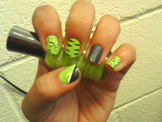 Leo-pard / Zebra    <3 my nails. Love it! Amazing talent!