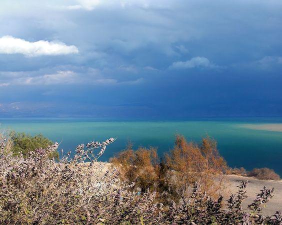 Dead Sea, Israel / Jordania