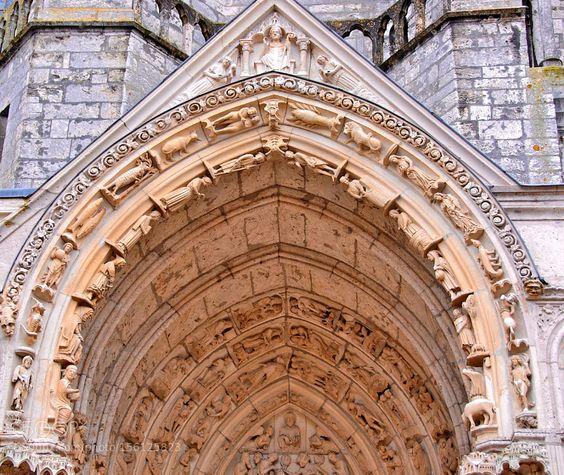Zodiaque de la cathédrale de Chartres. by Philtour. @go4fotos