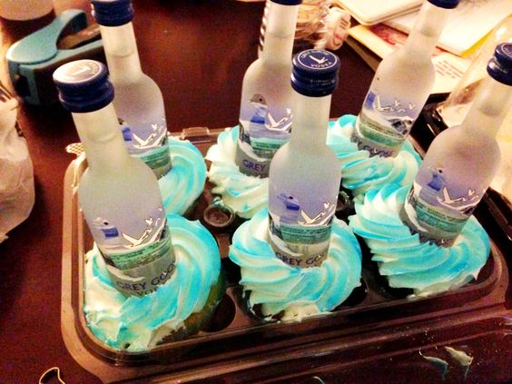 Cupcake Decorating Ideas For Boyfriend : My boyfriend did this for a buddy of his. Turns out ...