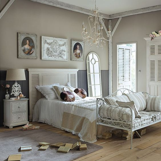 meubles et d coration de style romantique et cosy maisons du monde shabby chic interiors. Black Bedroom Furniture Sets. Home Design Ideas
