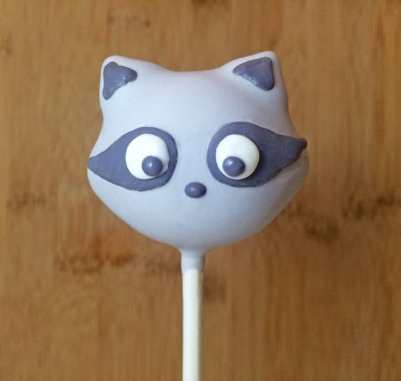 Woodland Cake Pop Series: Raccoon Cake Pops on Craftsy | Baby ...