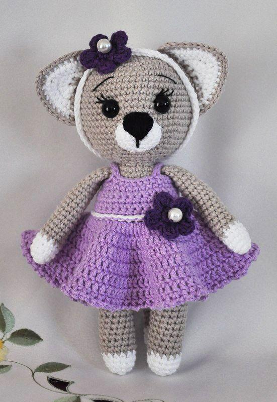 Love the Lady Cat! Makes up so cute! #crochet #amigurumi