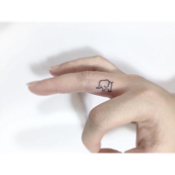 . . Elephant. . #illustration #linetattoo #tattooist #일러스트 #tattooworkers #tattooer #drawing #미니타투 #korea #타투 #홍대 #아트 #플레이그라운드타투 #fingertattoo #elephanttattoo #손가락타투 #코끼리타투 #디자인타투 #감성타투 #레터링타투 #꽃타투#playgroundtattoo