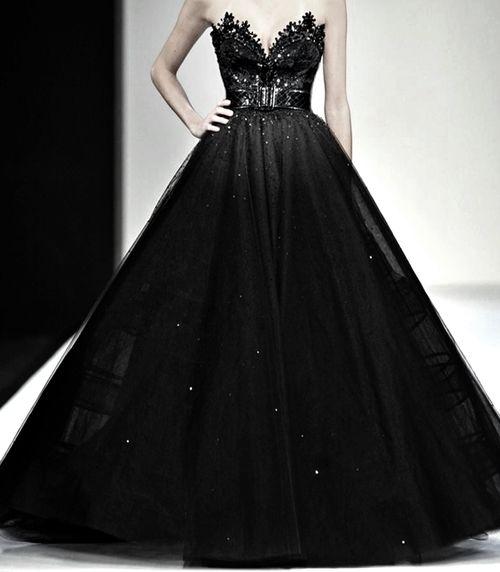 Michael Cinco fabulous huge black gown.