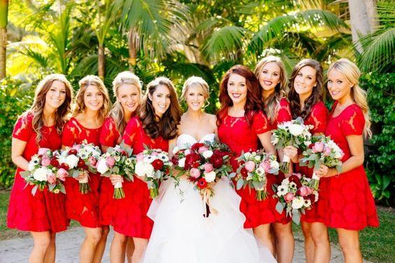 Robes demoiselles d'honneur rouge courte en dentelle