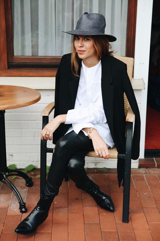 Black blazer, white poplin shirt, black leather pants and boots
