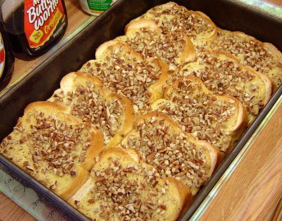 Facilmente fazer um grande lote de torradas no forno no café da manhã de Natal.