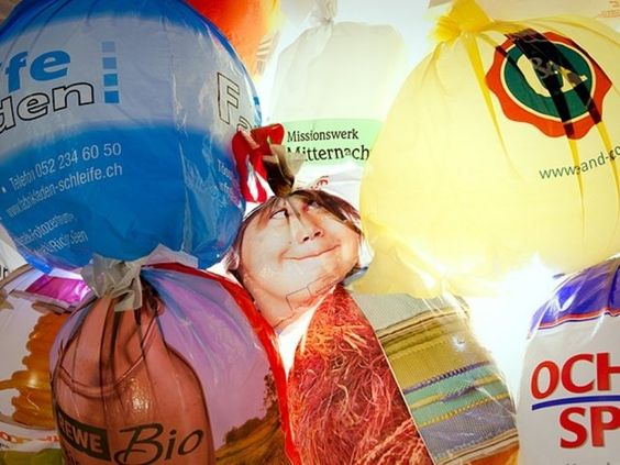 Oh, Plastiksack Installation by Luzinterruptus - News - Frameweb