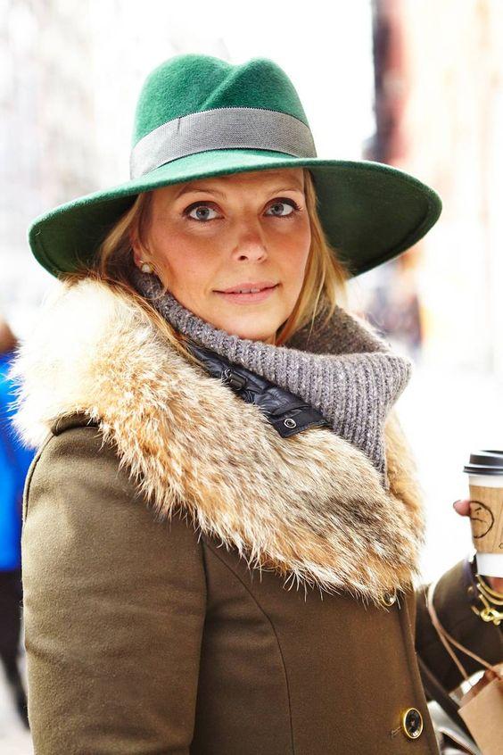 Street Style/Manhattan - Adoro! Chapéu mais parka com pelo!