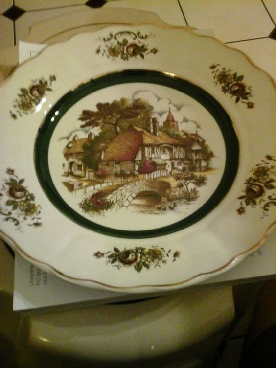 Princess house wall plates and scene on pinterest for Princess housse
