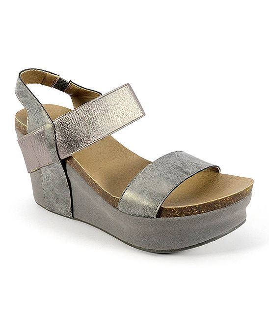 Pretty Wedge Sandals