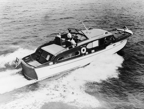 Chris Craft 1947 46 foot Double Cabin :: The Mariners Museum Image Collection