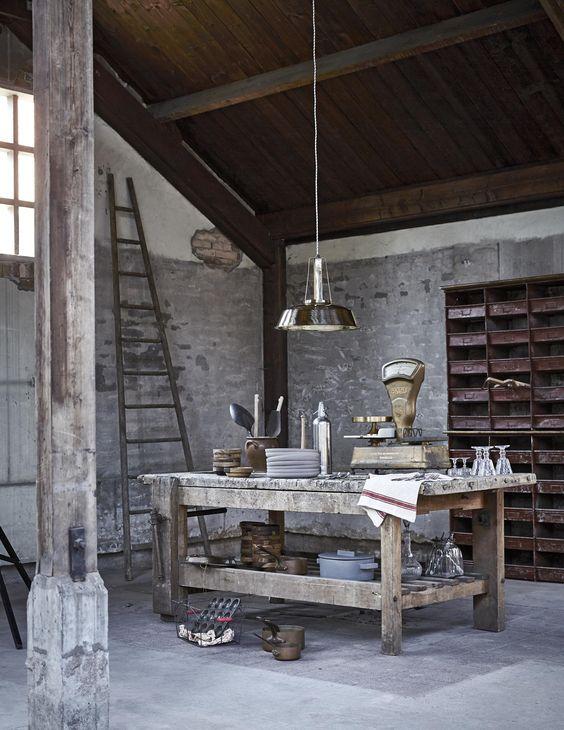 Oude werkbank in de keuken old workbench in the kitchen styling cleo scheulderman - Deco oude keuken ...