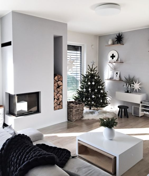 90 Modern Christmas Decoration Ideas That Are The Classic Blend Of Luxurious So Modern Christmas Decor Christmas Decorations Living Room Small Christmas Decor