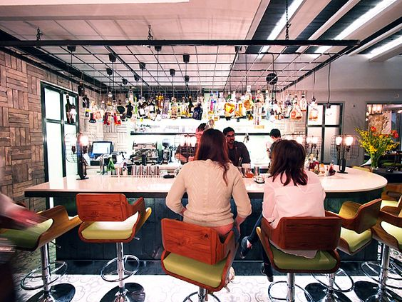 new-tippling-bar-wide-view