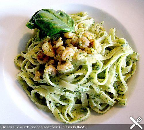 Spaghetti al pesto, ein tolles Rezept aus der Kategorie Kochen. Bewertungen: 47. Durchschnitt: Ø 4,2.