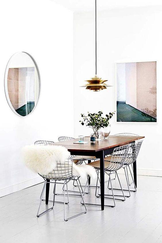 Decoración entre rejas Iconscorner interiorismo silla bertoia 01