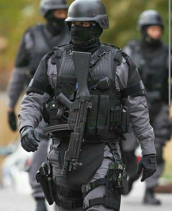 Mercenaires - Horreur contemporaine 6fb92e7eb6bf77be4da4bf7710acd0b3
