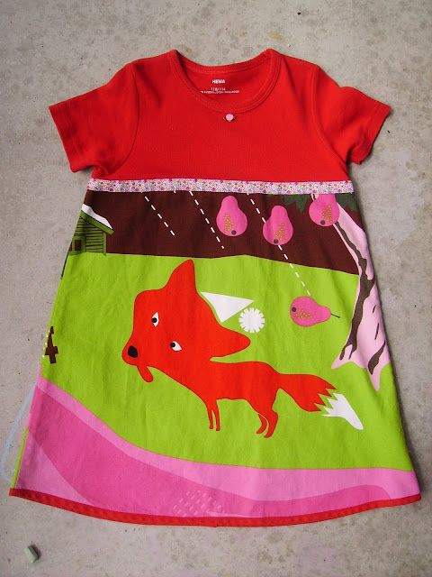 Girls dress: take the upper part from a T-shirt and some nice fabric. Tutorial in Dutch but with lot of pics. Why did I throw away Puck's old shirts?