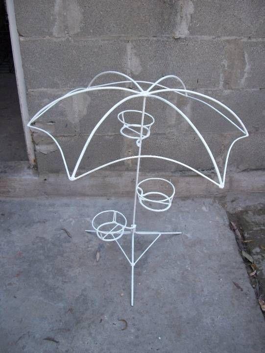 Porta macetas paraguas Rafaela Santa Fe Porta maceta artesanal de hierro nervado ideal para la decoracin de tu Jardn. Pods colocar hasta tres macetas... Colo...