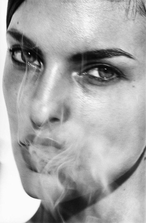 Linda Evangelista, Paris, France, 1990 Photo: © Peter Lindbergh Courtesy Gagosian Gallery