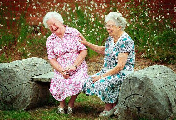 совсем старые бабушки дают