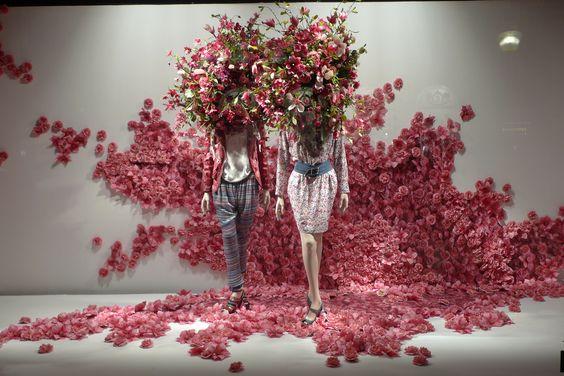 Flowers Shop | Store | Retail | Window | Display | Visual Merchandising