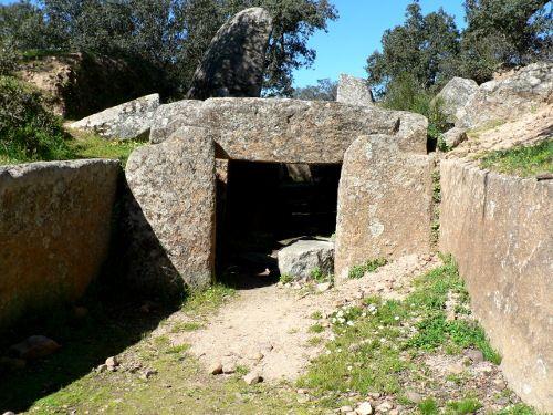 Turismo cultural en Extremadura. Dolmen de Lácara, Spain
