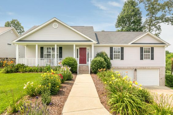 6470 Veronica Dr, Listed 7.7.15 #ooltewah #homesweetchatt