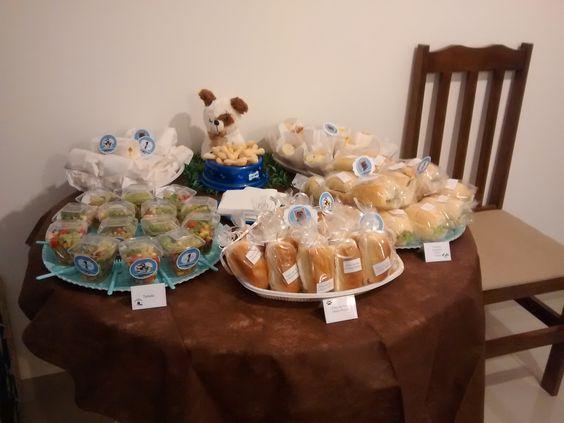 Mesa de sanduíches
