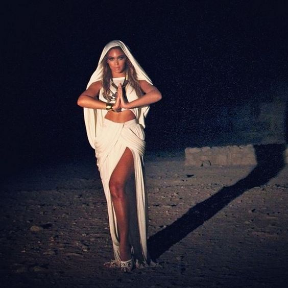 Beyonce Queen of Egypt? More like Queen of the world!!