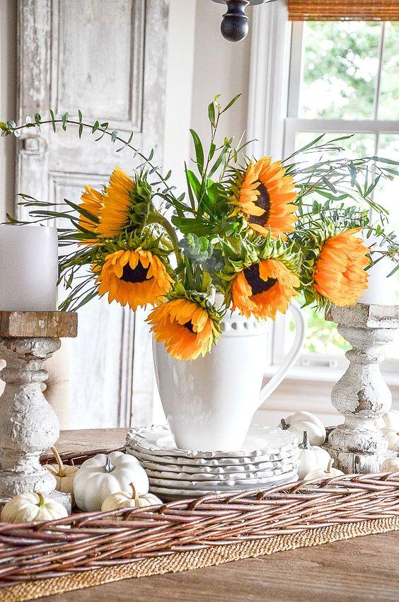 You can create an easy fall vignette every time by following this fall vignette recipe. Create no-fail, beautiful fall centerpieces! #fall #fallvignettes #falldecor #falldecoratingideas ##sunflowers #pumpkins #whitepumpkins #stonegable